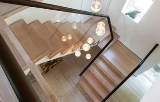 О том, почему деревянная лестница лучше других