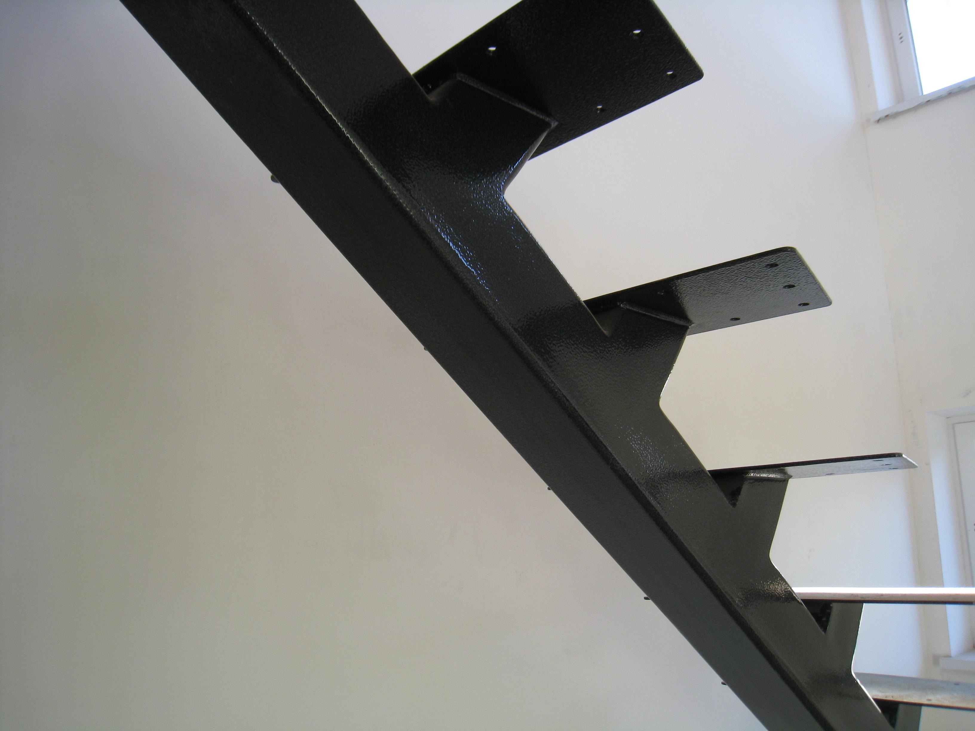 Центральный косоур для лестницы под заказ - 6
