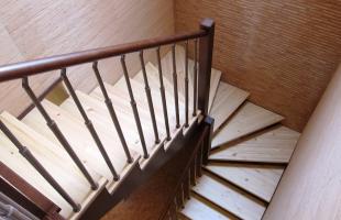 Красота и надежность лестниц в виде буквы «П»