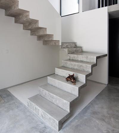 бетонная п-образная лестница