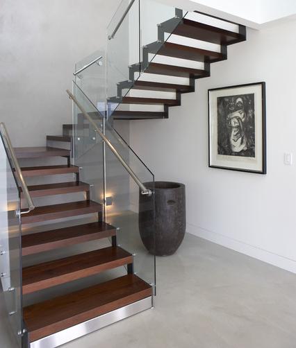 лестница для дома п-образного типа